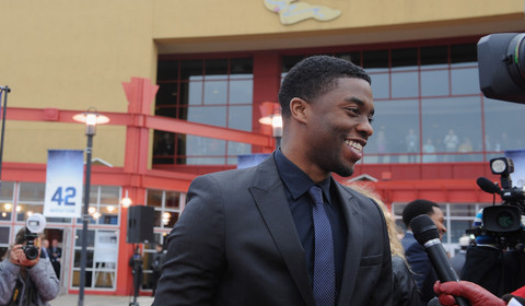 black_actor_chadwick_boseman_james_brown_www.blallywood.com